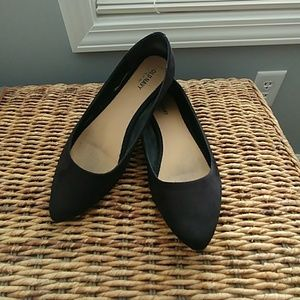 Old Navy black flats pointed toe 8